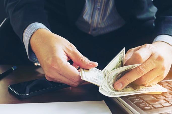 Riscul de curs valutar | Educatie financiara