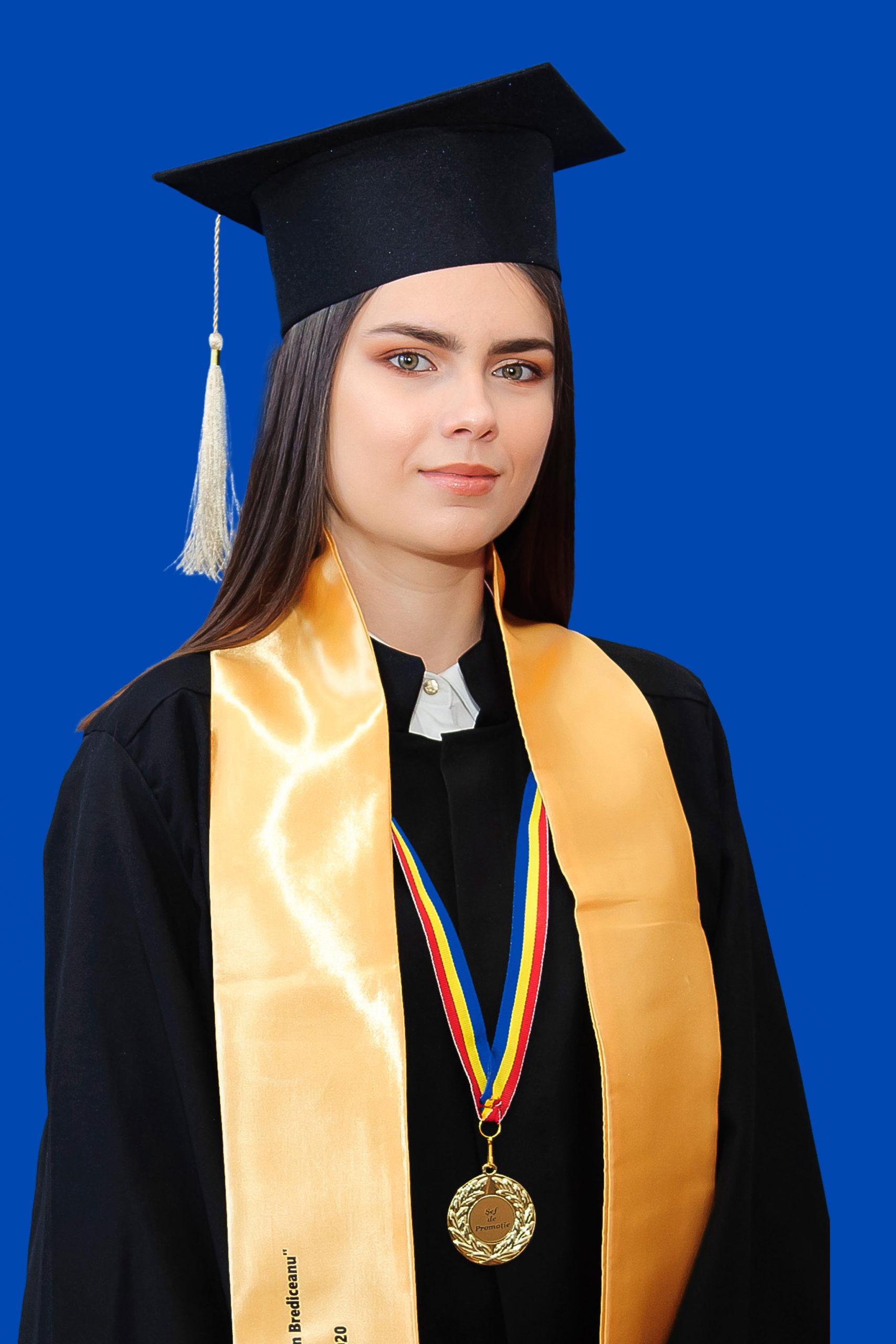 XIIB Subțire Anda - șefă de promoție + șefa promoției 2020 de la Liceul Teoretic 'Coriolan Brediceanu' Lugoj