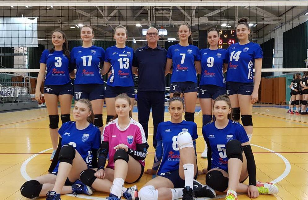 echipa de volei junioare 2019